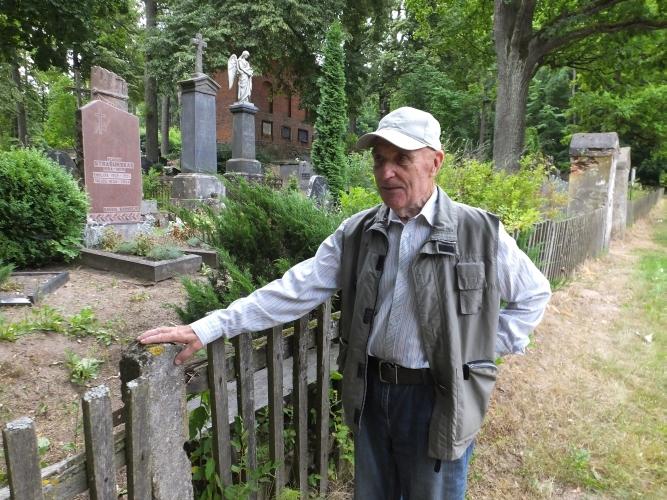 Jei prisikeltų, dėl ko vėl atgultų Vladikiškių kapinaitėse palaidoti dvarininkai Romeriai?